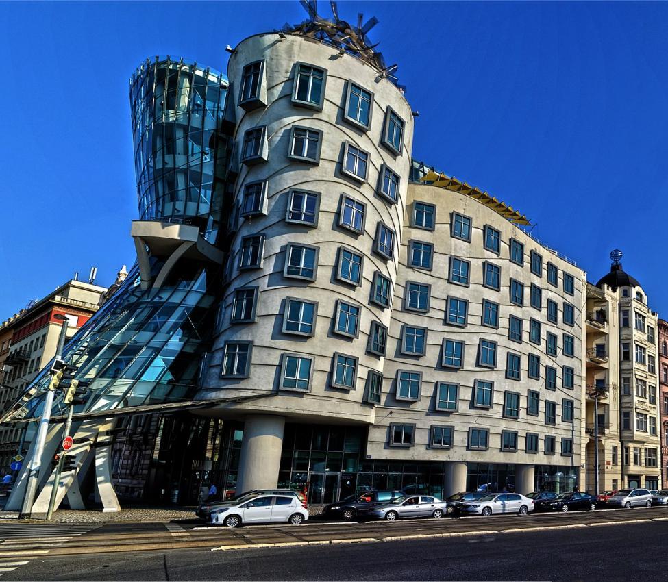 Navn:      1200px-The_Dancing_House_in_Prague.jpg Visninger: 519 Størrelse: 167.9 Kb