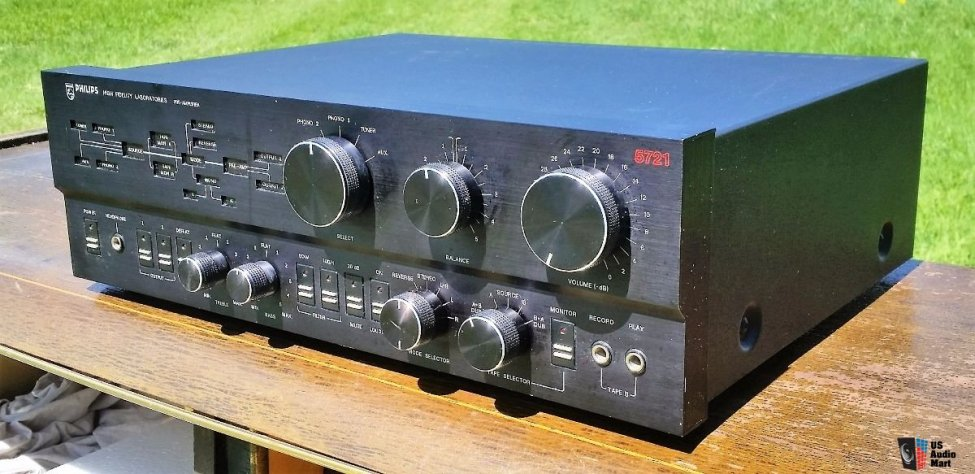 1547051-vintage-philips-high-fidelity-series-amp-5781-preamp-5721-high-end-components.jpg