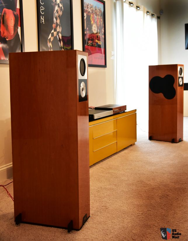 1993340-ddf5227b-rega-rs10-top-of-the-line-speaker.jpg