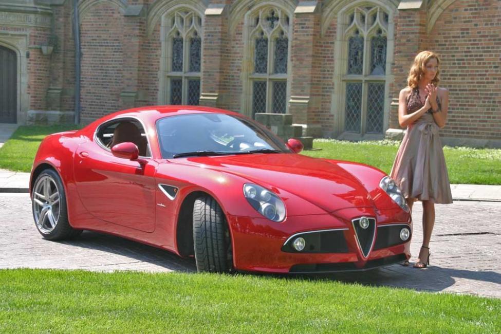 2008_Alfa_Romeo_8C_30469.jpg