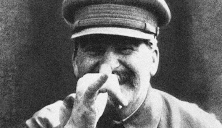2020-04-27 21_56_34-Stalin peker nese til verden fra sin grav - Dagbladet.jpg