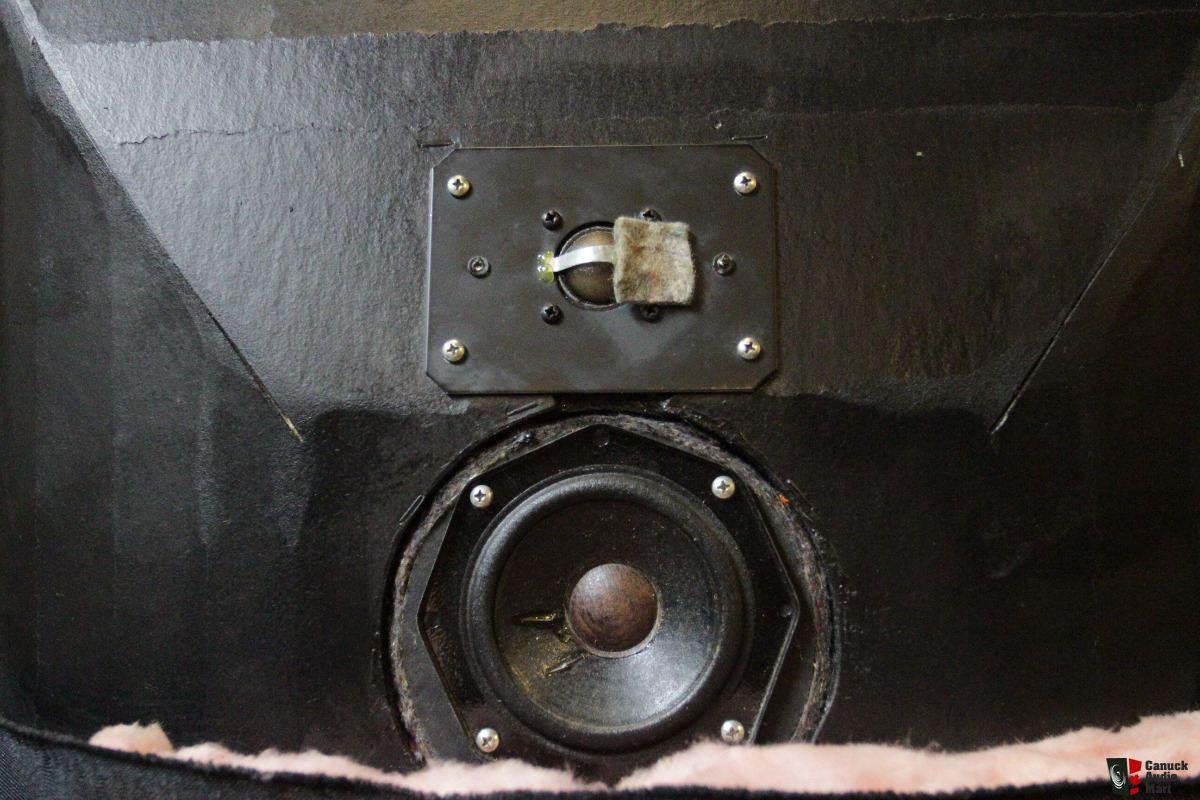 2400735-4cbd4faa-snell-type-a-loudspeaker.jpg