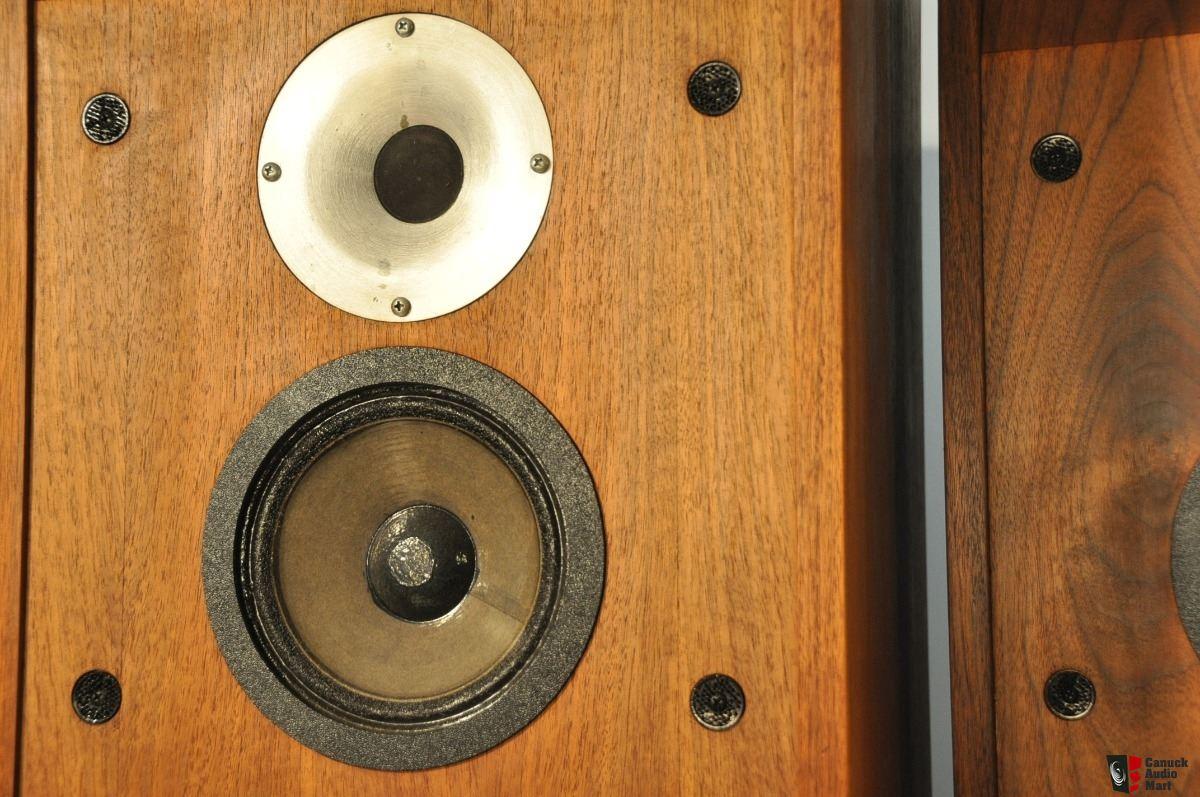 2510303-38acf172-rare-vintage-cerwin-vega-12tr-folded-horn-tower-speakers.jpg