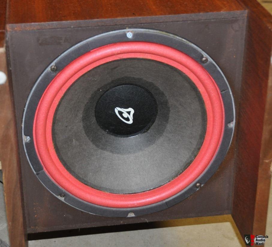 2510304-780ab5a0-rare-vintage-cerwin-vega-12tr-folded-horn-tower-speakers.jpg