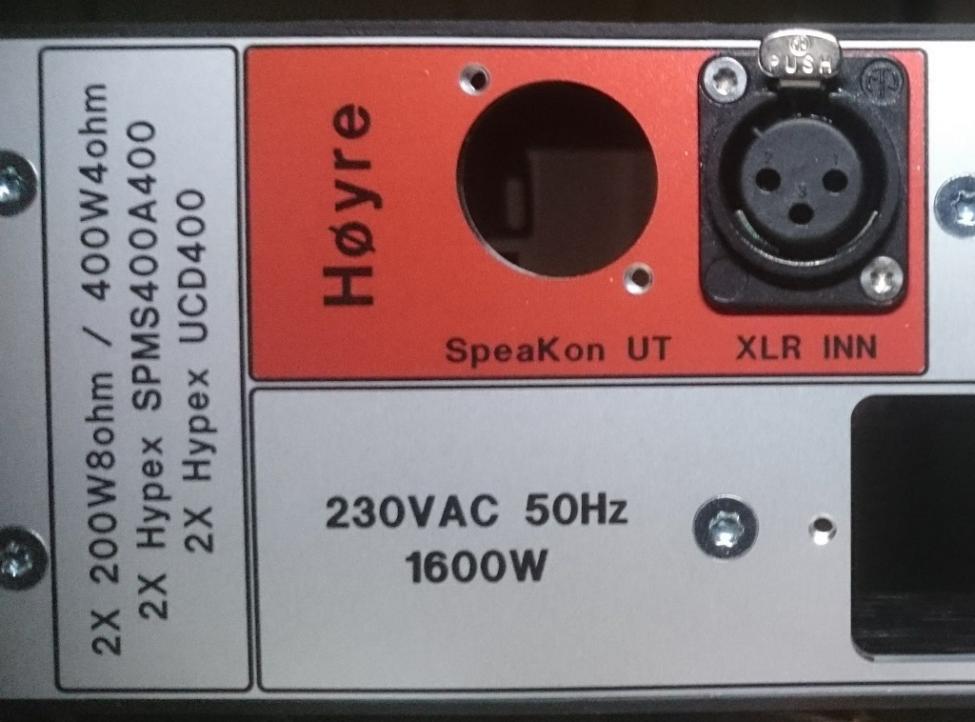 2XUCD400 bakplate utsnitt.jpg