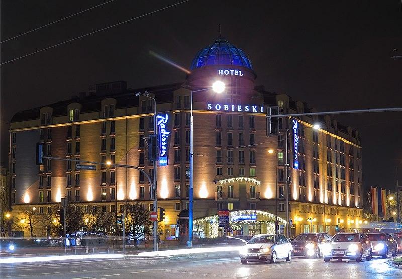 800px-Hotel_Sobieski_Warszawa.jpg