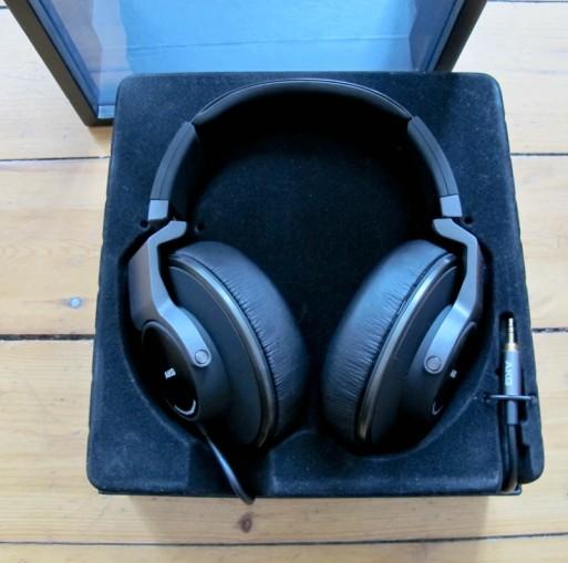 Navn:      akg-k550-headphones-6-513x509.jpg Visninger: 1052 Størrelse: 55.2 Kb