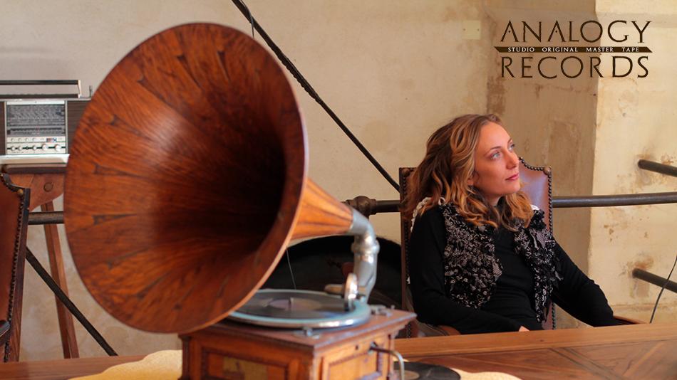 Navn:      Andrea-Celeste-Analogy-Grammofono2.jpg Visninger: 557 Størrelse: 441.6 Kb