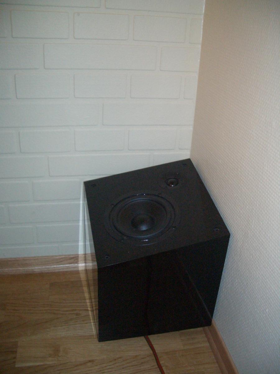 Navn:      Audio Pro Qube bakhøyttaler.jpg Visninger: 442 Størrelse: 86.5 Kb