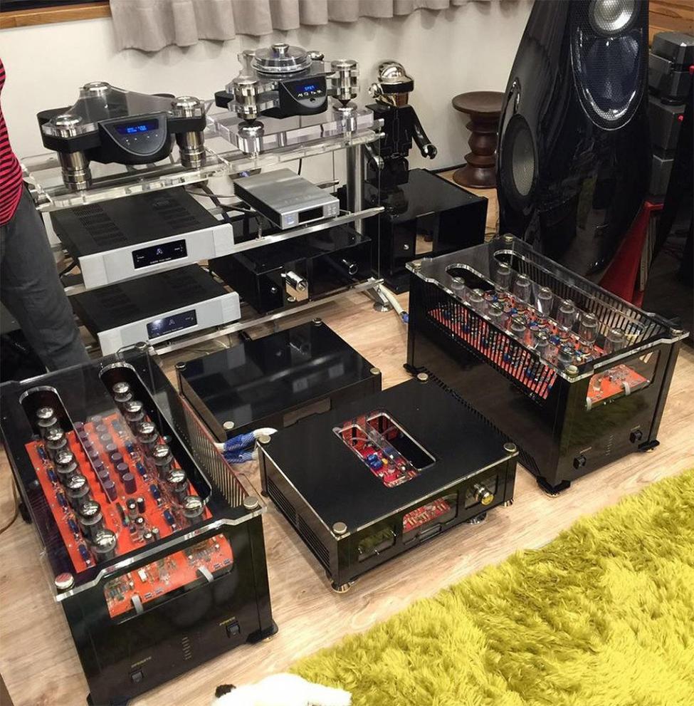 Navn:      Audio Valve Conductor og Challenger 400.jpg Visninger: 263 Størrelse: 168.5 Kb