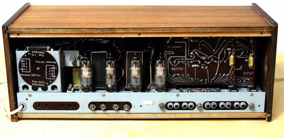 B&O High Fidelity Stereo Tube Amplifier 608 bak.jpg
