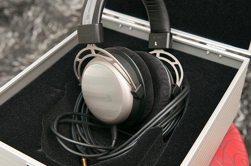 Best pris på Sennheiser PC 151 Hodetelefoner Sammenlign
