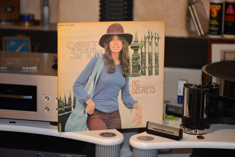 Carly Simon. No Secrets. 1972 001.jpg