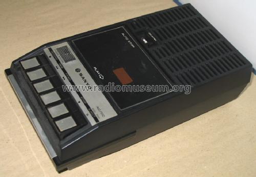 cassette_recorder_m2522_1114658.jpg