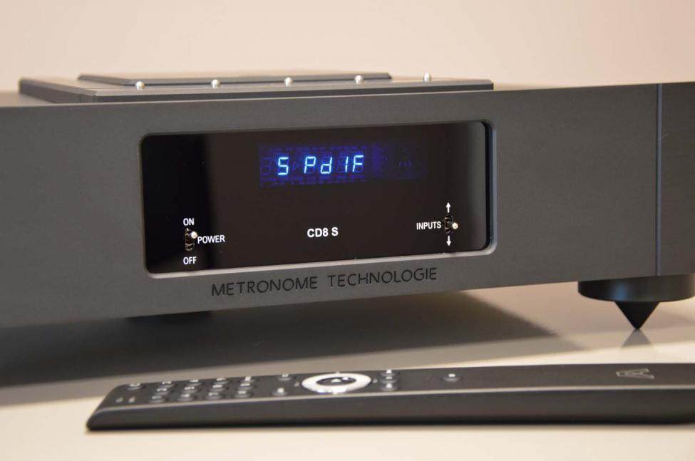 Navn:      CD8 S black front with remote.jpg Visninger: 350 Størrelse: 38.6 Kb