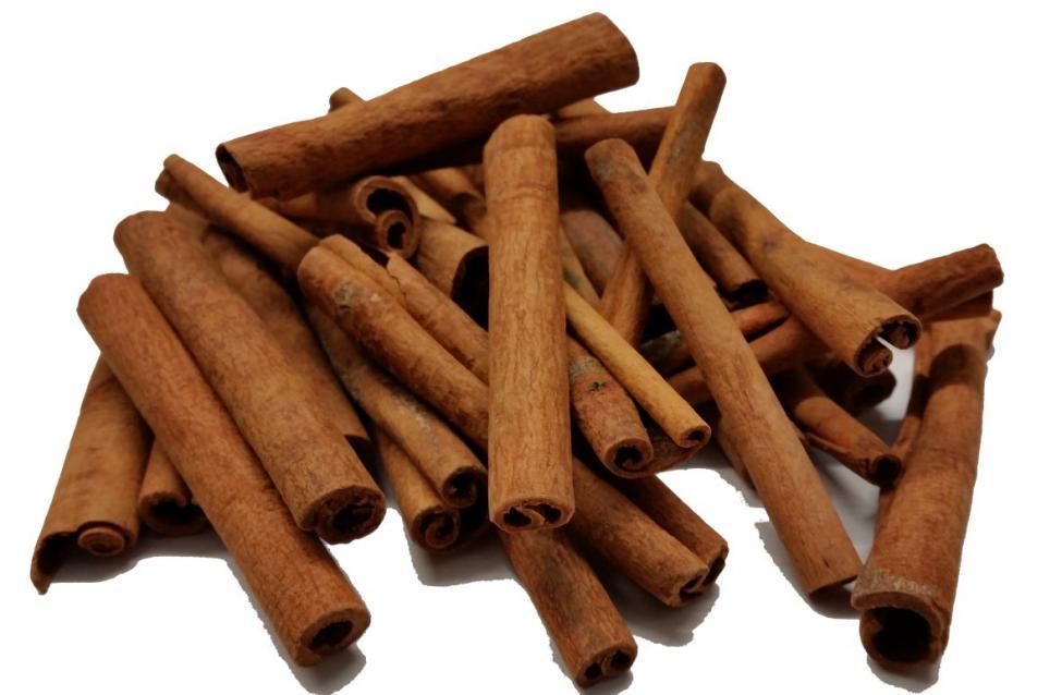 Navn:      Cinnamon_Sticks_8cm_Quills_Image_Chillies_on_the_Web__79353.1426011201.1280.1280.jpg Visninger: 647 Størrelse: 59.2 Kb