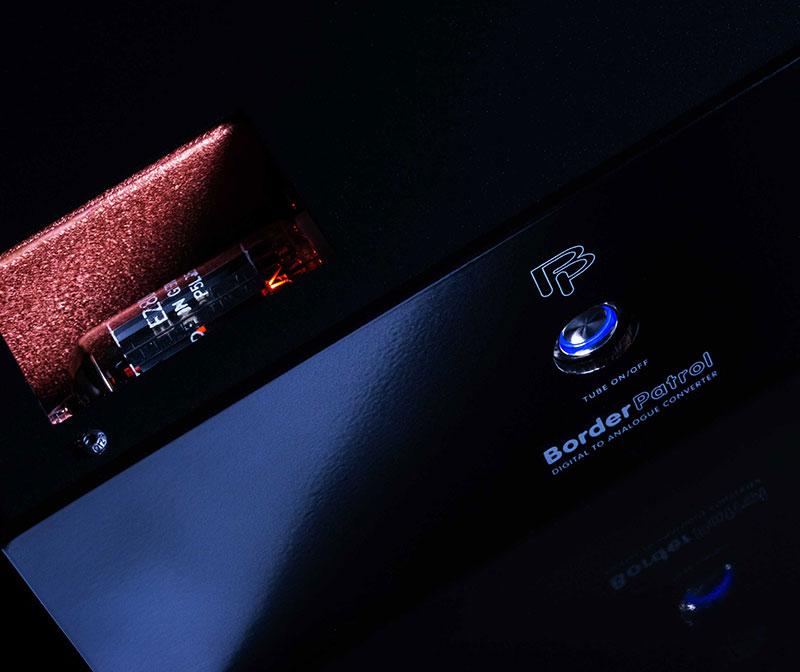 DAC-Pic-PE-Black-Tube-800.jpg