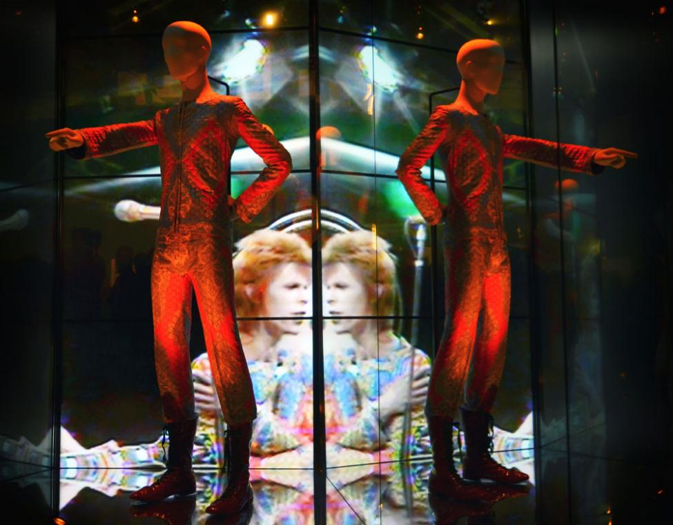 david-bowie-is-exhibition-victoria-and-albert-museum.jpg
