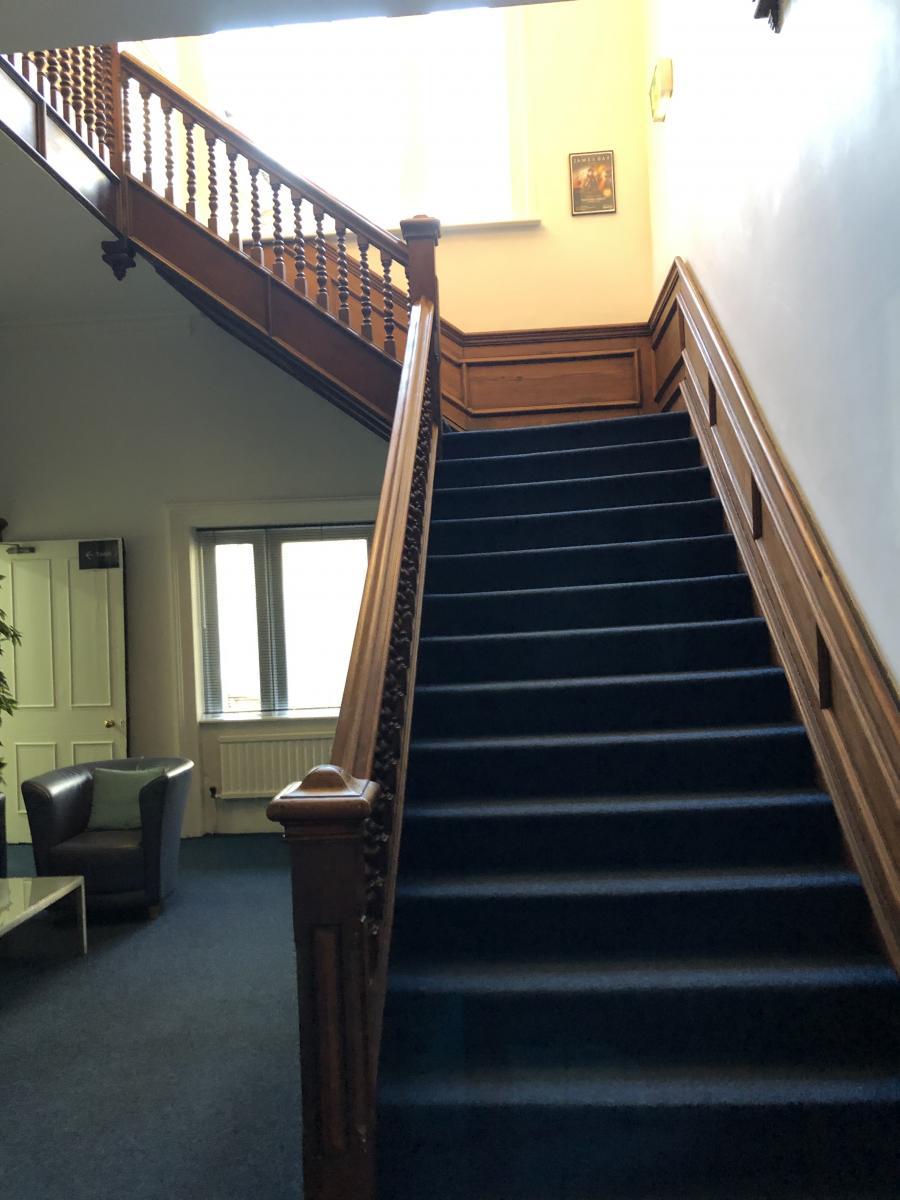 Navn:      Eike trappa.jpg Visninger: 589 Størrelse: 95.1 Kb