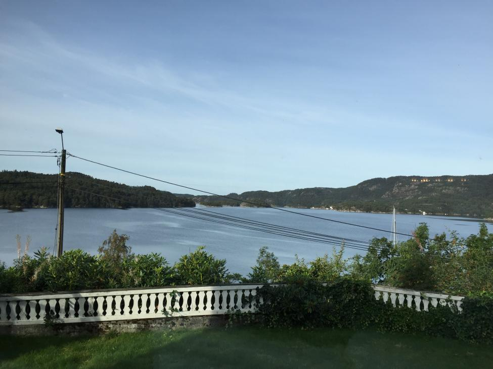 Navn:      fjorden.jpg Visninger: 1565 Størrelse: 77.3 Kb