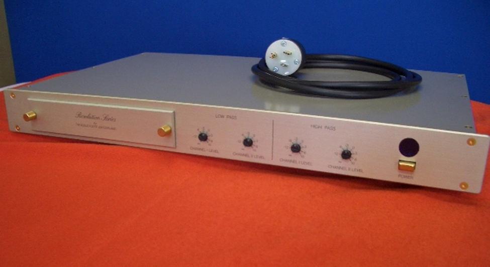 Navn:      FM Acoustics Resolution Series 334.jpg Visninger: 4016 Størrelse: 40.9 Kb