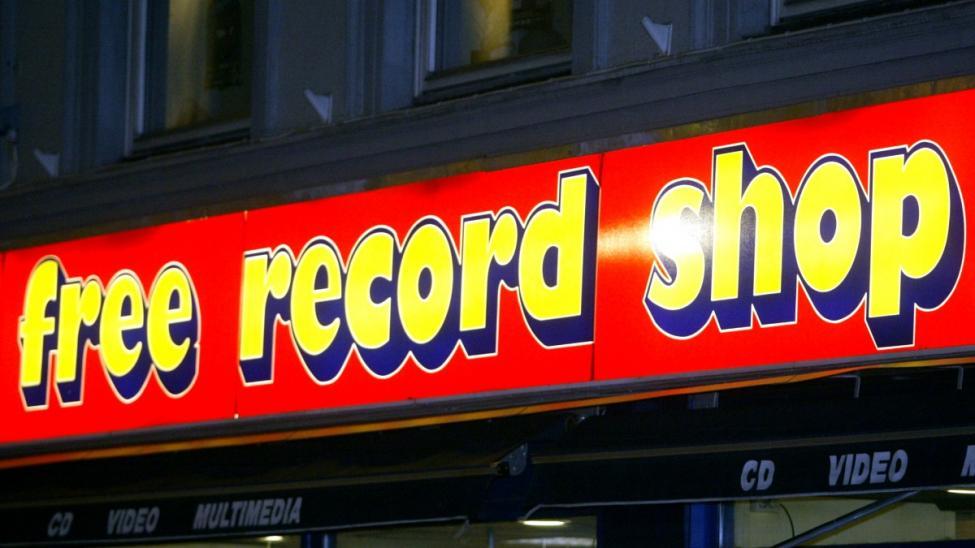 Navn:      free record shop.jpg Visninger: 506 Størrelse: 63.3 Kb