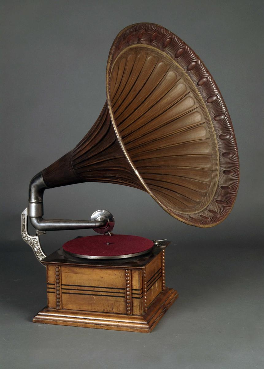 Navn:      grammofon.jpg Visninger: 168 Størrelse: 594.3 Kb