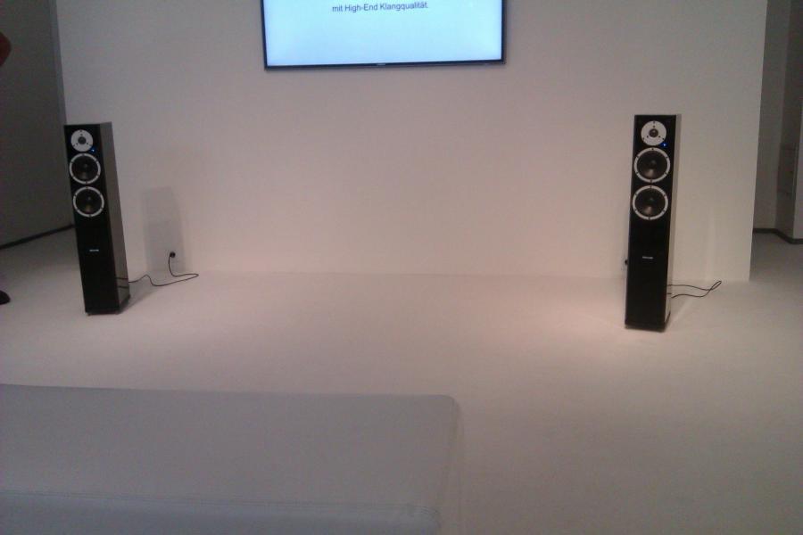 high end m nchen 2012 side 4. Black Bedroom Furniture Sets. Home Design Ideas