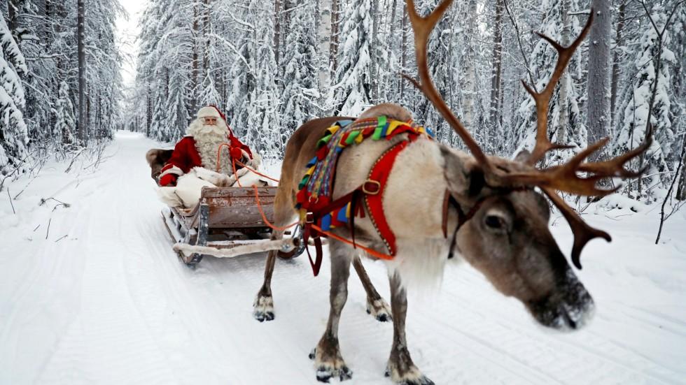 Julenissen med reinsdyr.jpg