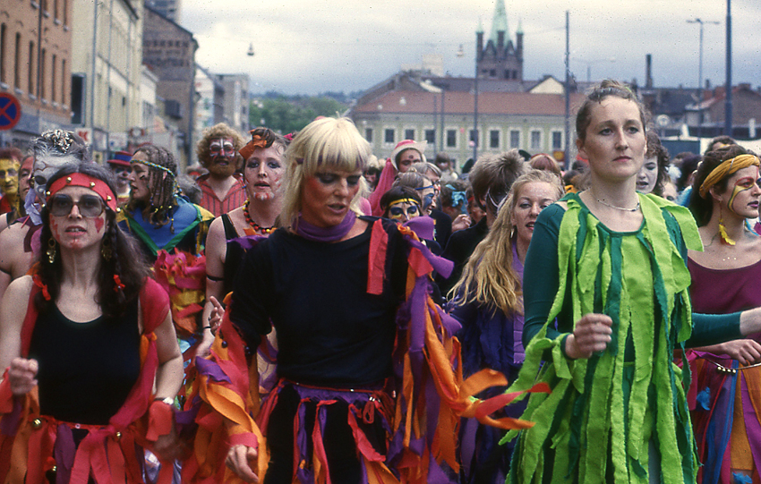 Navn:      Karneval1.jpg Visninger: 403 Størrelse: 567.3 Kb