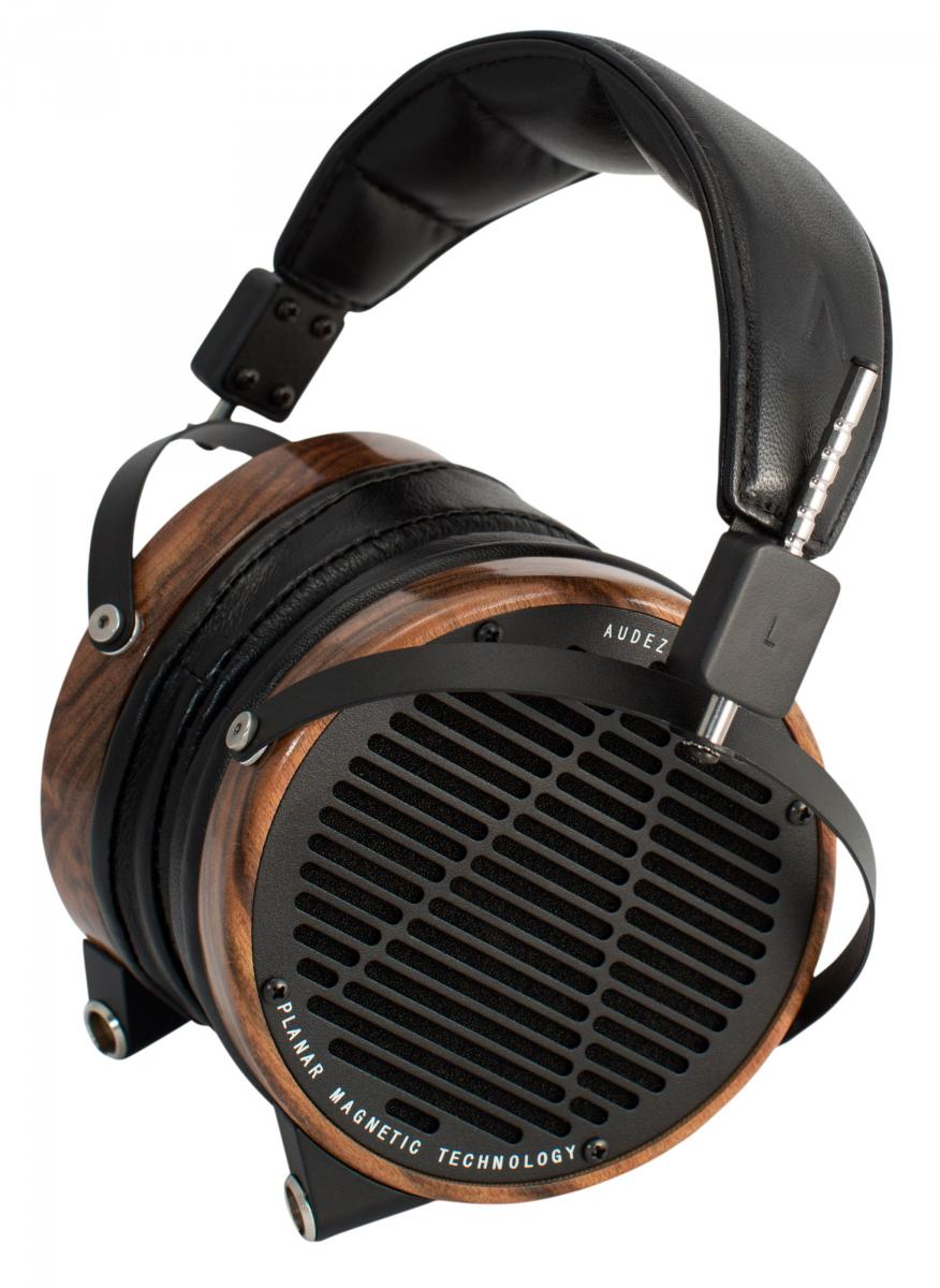 lcd2.3_rosewood_leather_seated.jpg