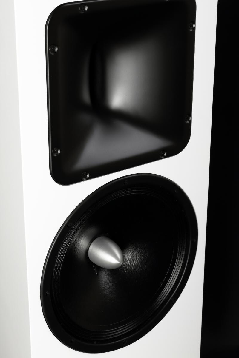 Navn:      Mala_Audio_ØAudio speakers_white_3.jpg Visninger: 838 Størrelse: 49.8 Kb