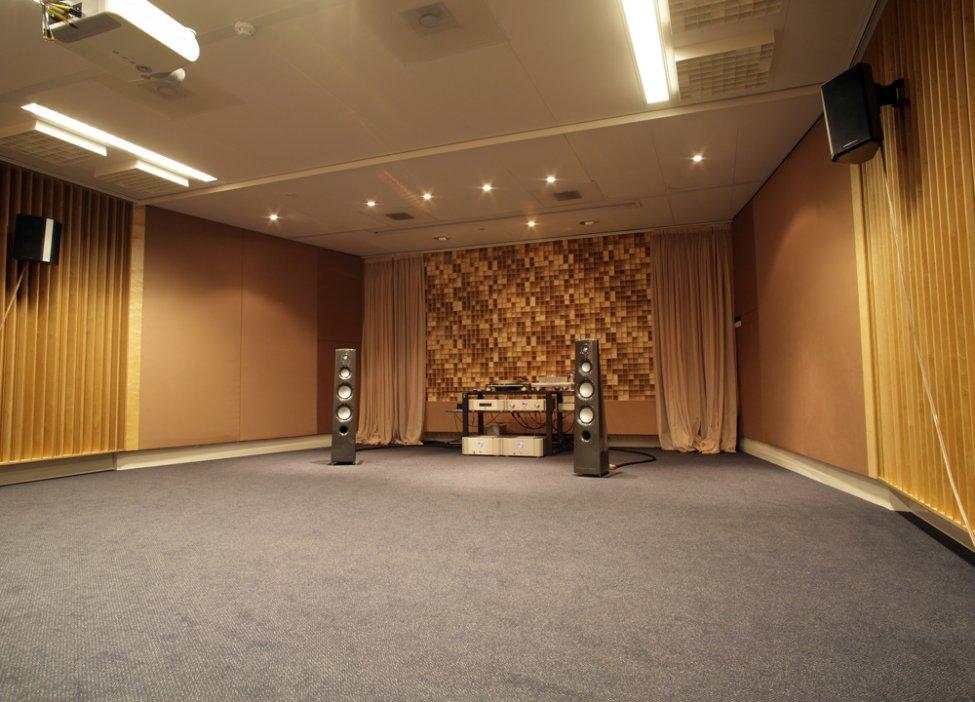 Marantz_Ken_Ishiwata_Listening-room_2.jpg