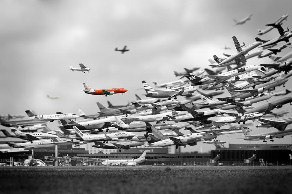 Navn:      Multiple-Airplanes-Taking-Off-10_980px.jpg Visninger: 1780 Størrelse: 86.8 Kb