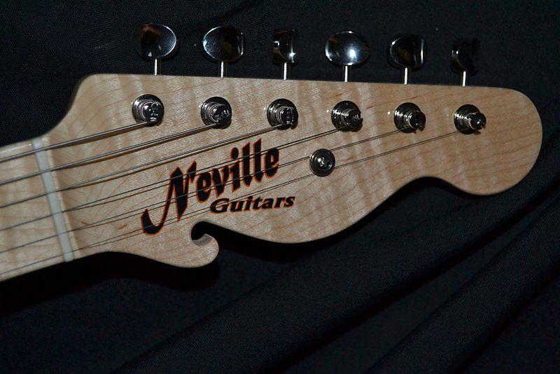 Navn:      neville_guitars_headstock.jpg Visninger: 109 Størrelse: 66.9 Kb