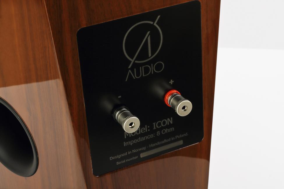 Navn:      O_Audio_Icon_American_Walnut_HG_4.jpg Visninger: 1016 Størrelse: 37.1 Kb