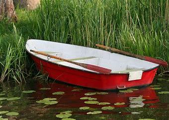 rødhvit båt.jpg