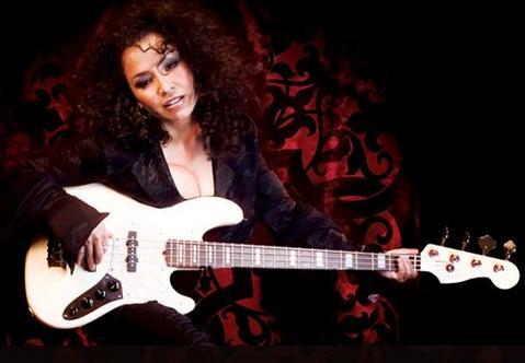 Navn:      Rhonda+Smith+-+Bassist+Extraordinaire.jpg Visninger: 440 Størrelse: 20.6 Kb