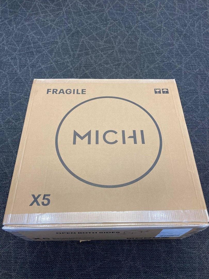 Rotel Michi X5 5.jpg