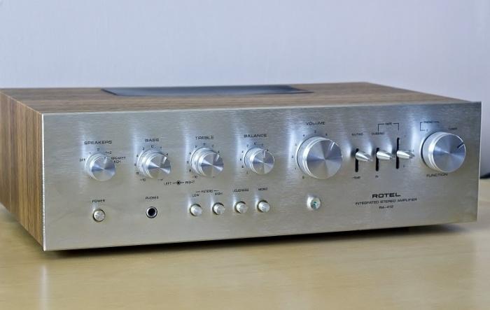 Navn:      Rotel RA-412 Vintage HI-FI Stereo Amplifier (800x506).preview.jpg Visninger: 271 Størrelse: 72.6 Kb