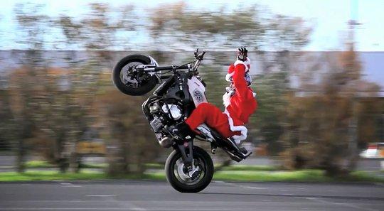Navn:      Santa-Claus-Freestyle-Motorbike.jpg Visninger: 150 Størrelse: 33.3 Kb