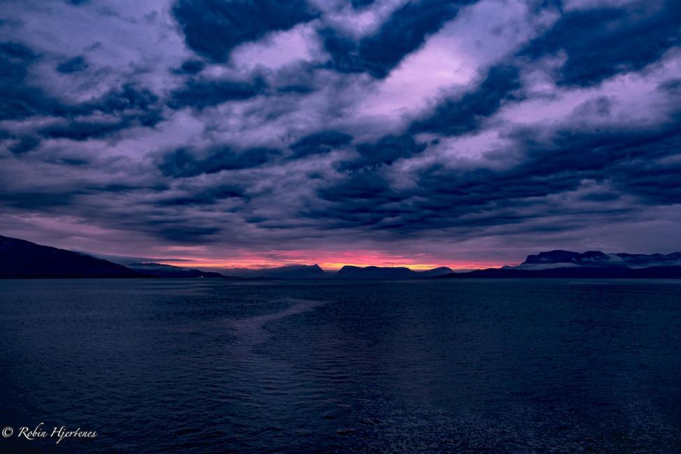 Navn:      Sognefjorden nedskalert.jpg Visninger: 114 Størrelse: 67.3 Kb