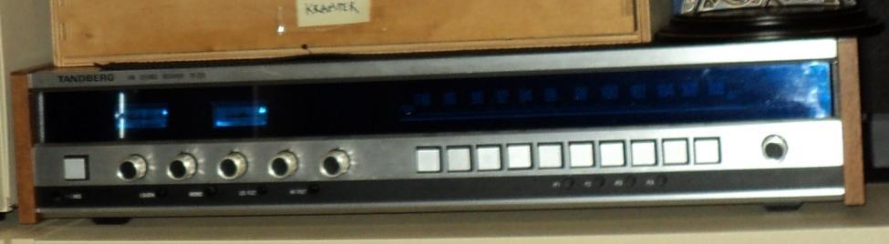 Navn:      Tandberg FM-STEREO receiver TR 220.jpg Visninger: 853 Størrelse: 30.1 Kb