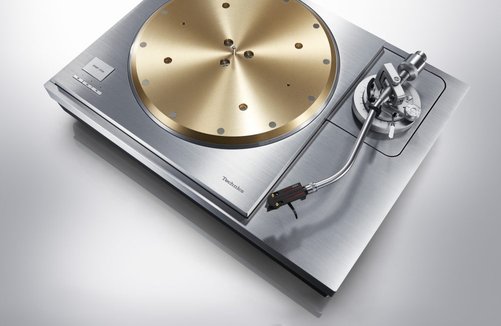 Technics_SL-1000R_arm_33978-1000x652.jpg