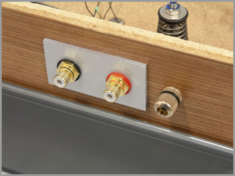 thorens-td160-upgrade-01-rca-cinch-connectors.jpg