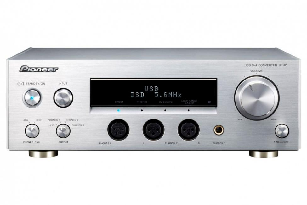 u-05-s_headphone_amplifier_dac.jpg