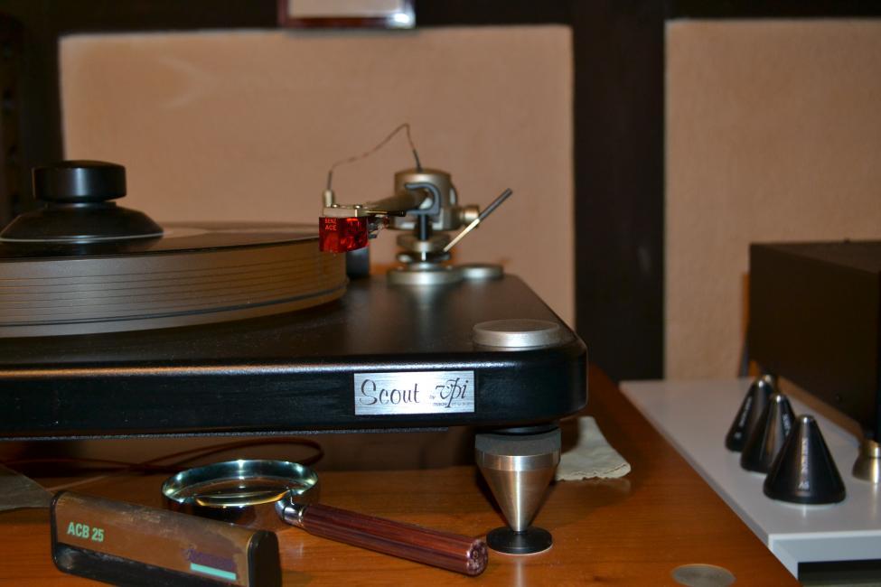 Vinylspiller Pick up 001.jpg