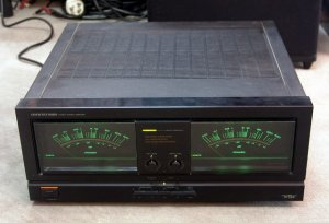 Onkyo_M-508_power_amp.jpg