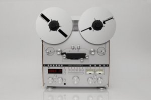 Tape_Recorder_M063_Front.jpg