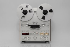 Tape_Recorder_M063_HE_Front.jpg